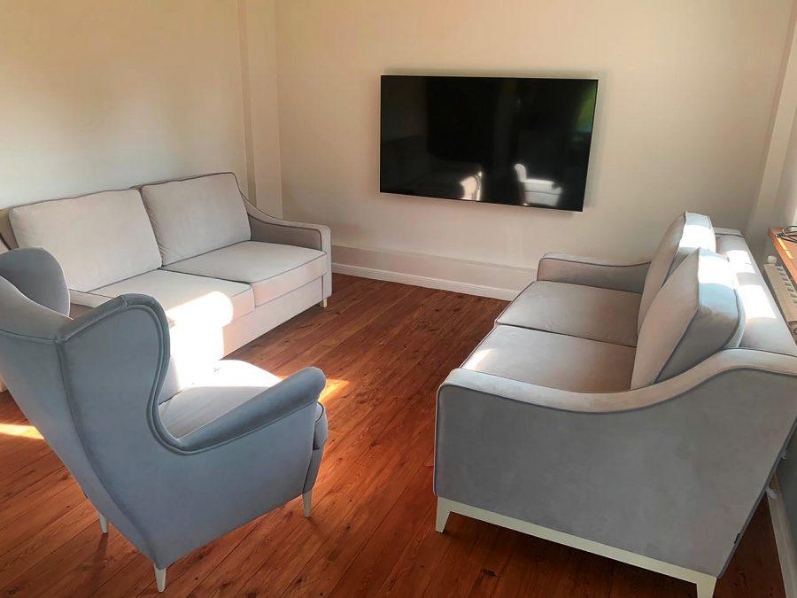 Классический диван в американском стиле Майк с мягкими подушками