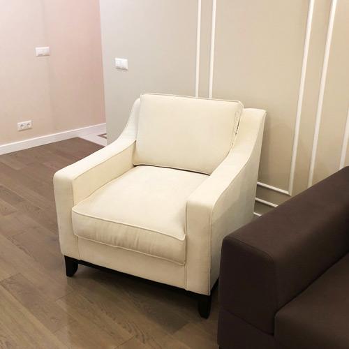 LAVSIT_american_style_armchair_Mike_white_thmb