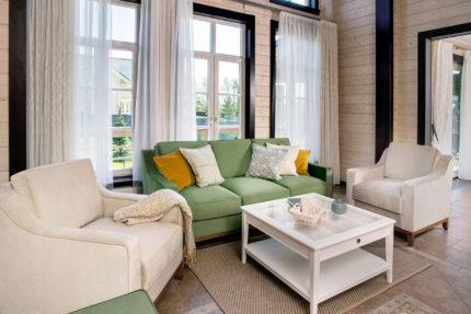 Глубокий диван и кресло комплект