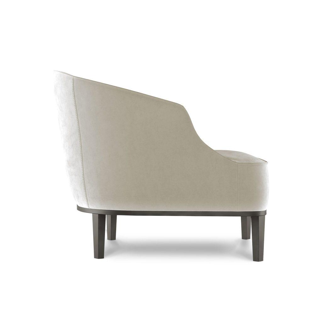Современная мягкое кресло в стиле ардеко на ножках велюровое
