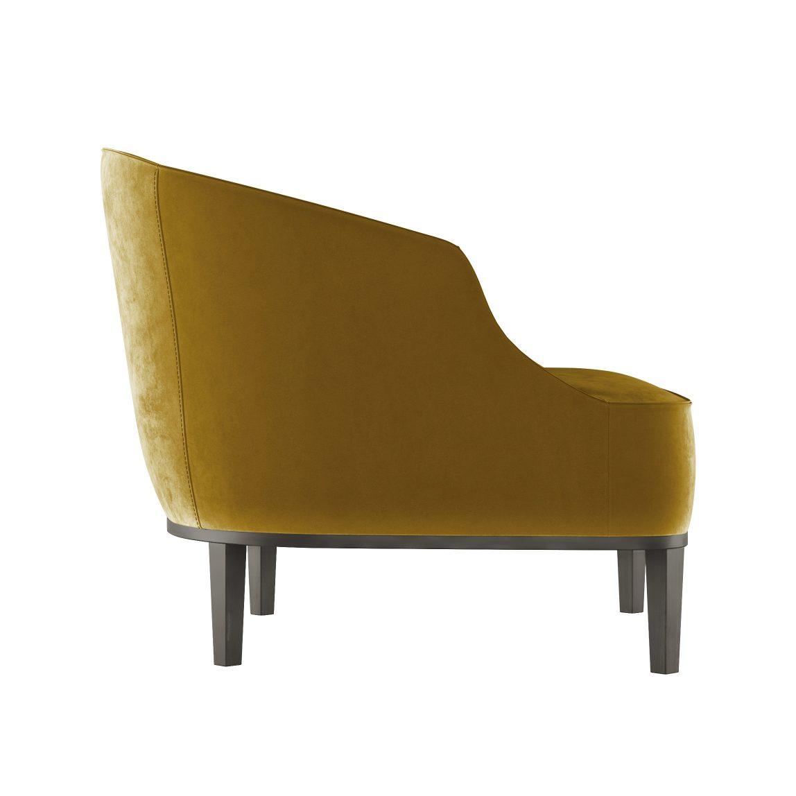 Низкое кресло в бархате в гостиную лавсит