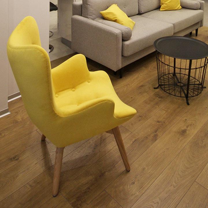 Kreslo_Contour_velure_yellow