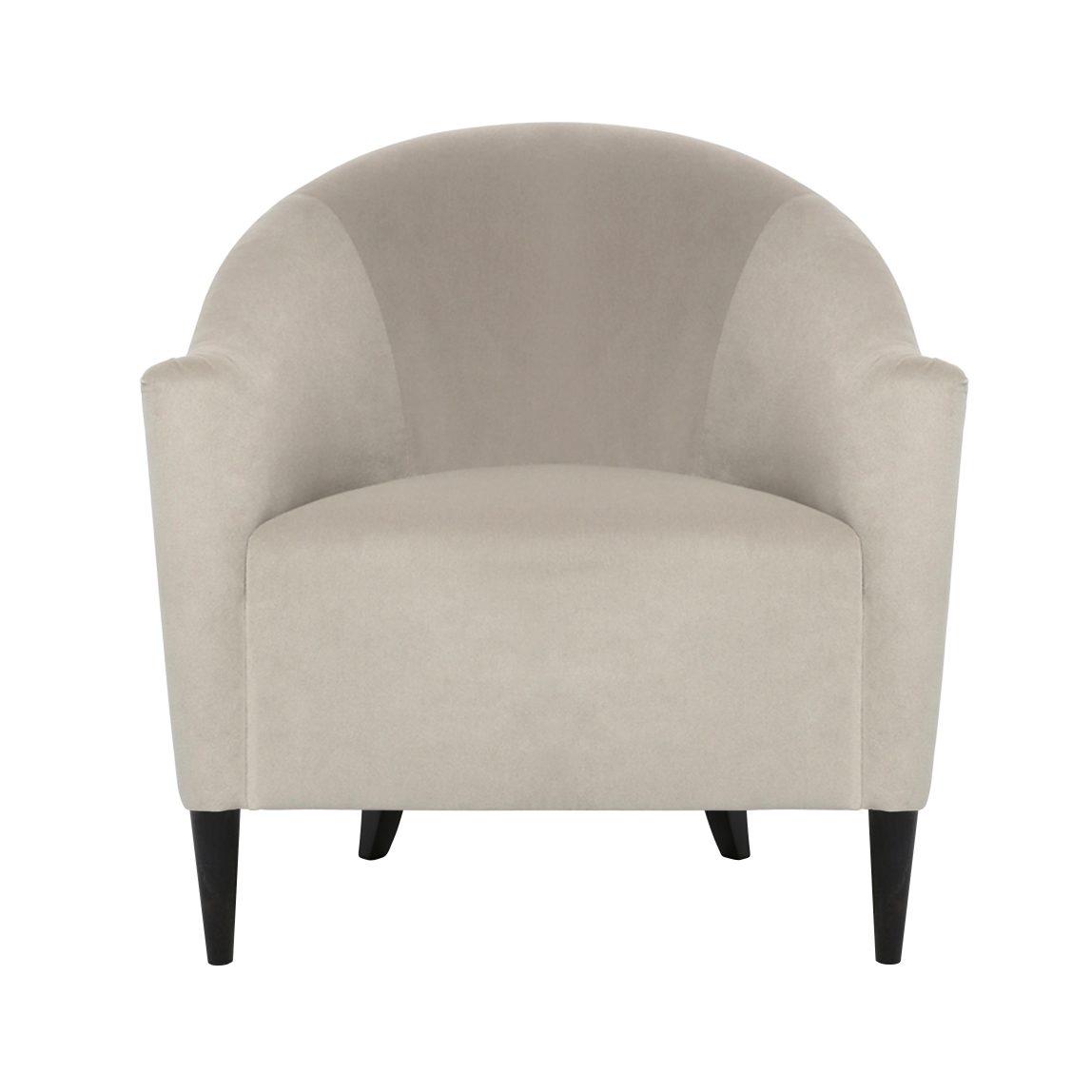 стильное белое кресло из бархата