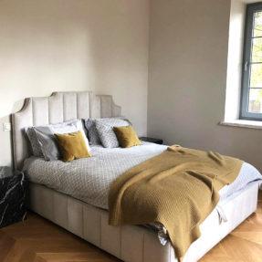 Кровать дизайнерская высокая двухспальная