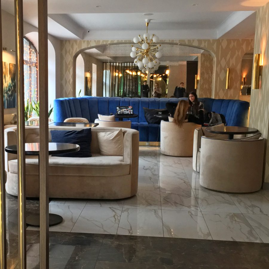 мягкая мебель для отеля
