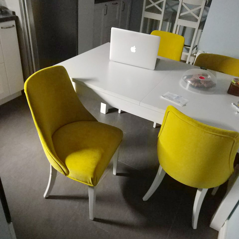 Стильный обеденный стул