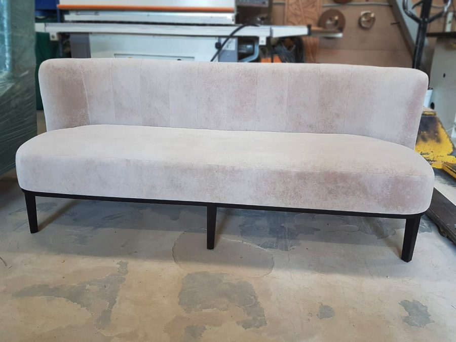 Будуарный диванчик