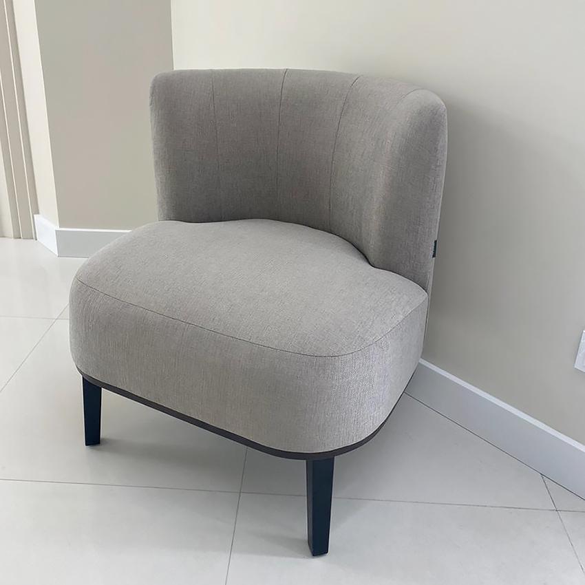 маленькое кресло на ножках