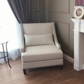 Мягкое кресло в американском стиле