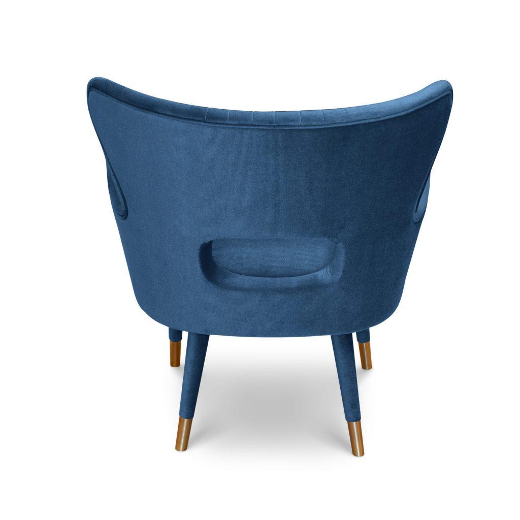 Бархатное кресло с латунью
