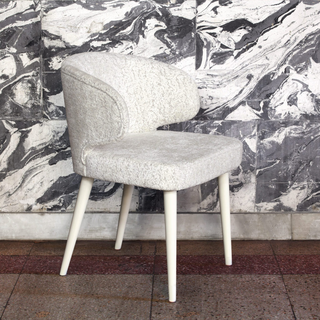 изящный стул Лесли с мягкой спинкой
