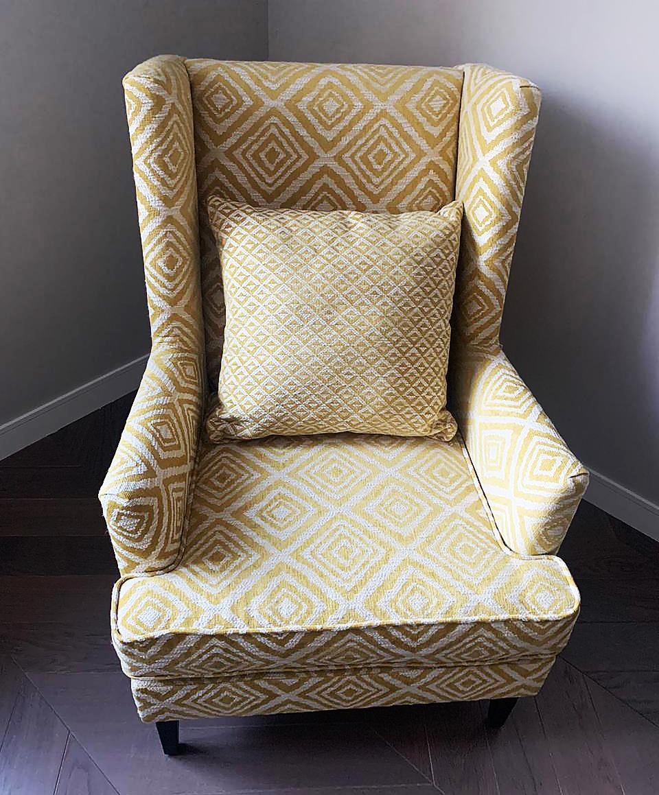 Стильное каминное кресло в современный интерьер