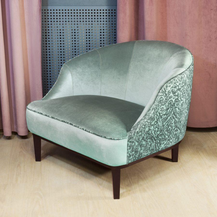 Удобное кресло Стефан с широким, глубоким сиденьем