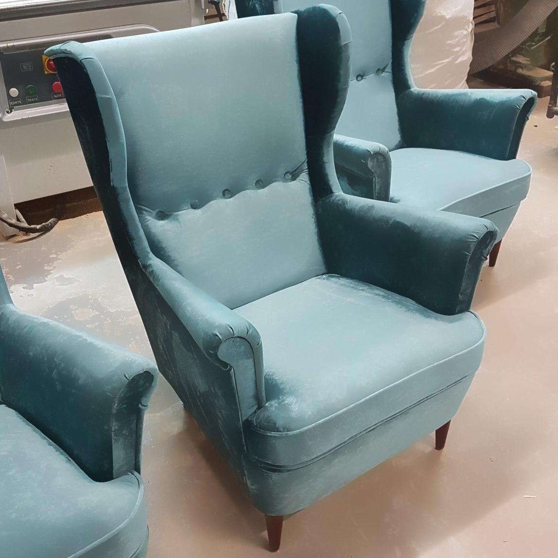 кресло Торн с высокой спинкой и подлокотниками
