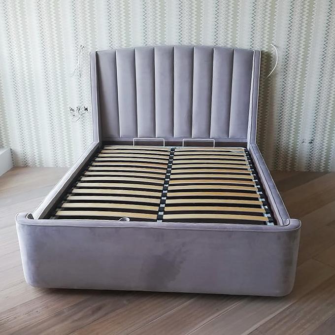 Кровать с панельным изголовьем и ортопедическим основанием Фабьен