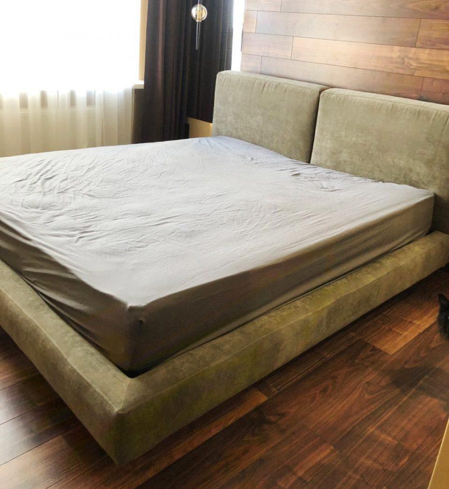 кровать Рэн с толстым мягким изголовьем