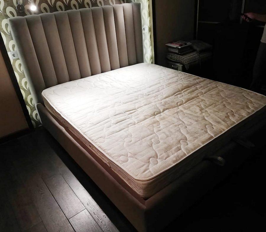 Кровать Натан с мягким высоким изголовьем