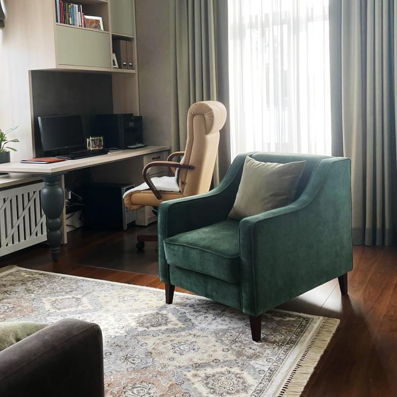 Кресло в гостиную интерьерное