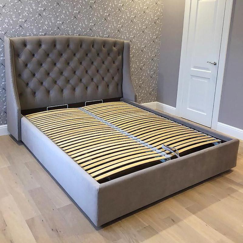 LAVSIT_Edison_neoclassic_bed_brown_velvet