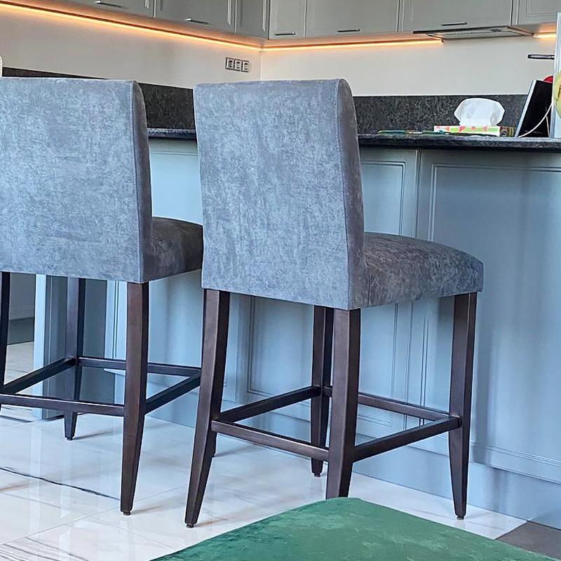 LAVSIT_bar_chair_Pikas_sovremennaya_klassika_flok