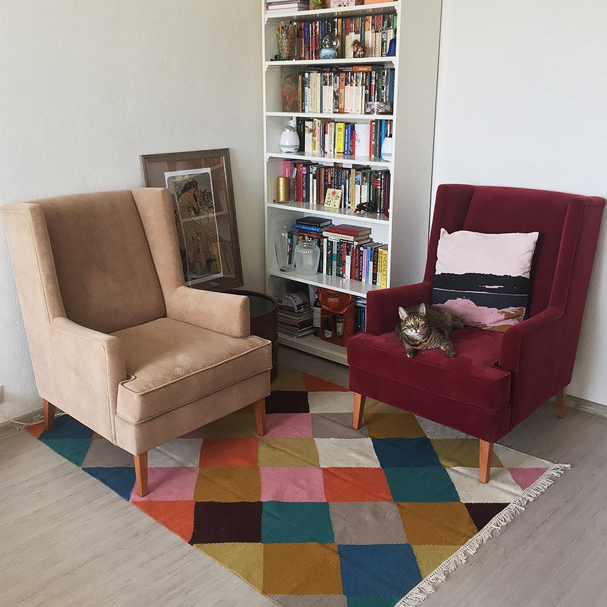 мягкое кресло Харви в современном стиле с высокой спинкой