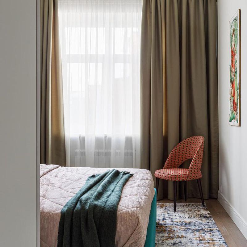 Красивый стул в спальню